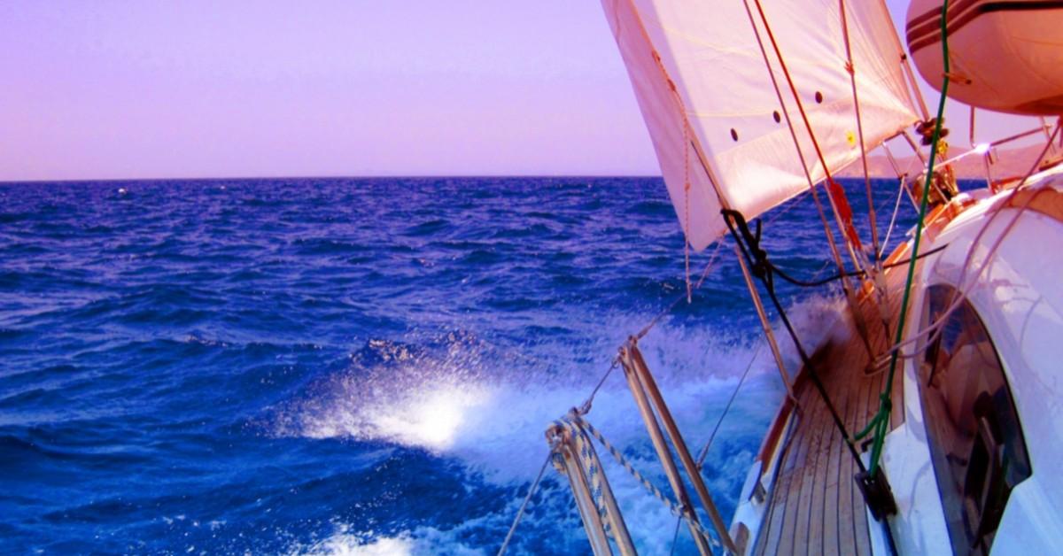 living on a boat liveaboard