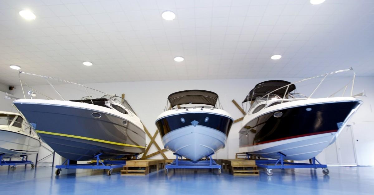 types of liveaboard boats
