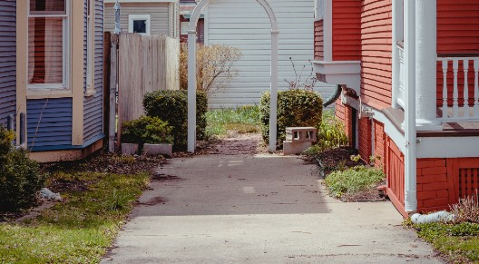 picture of a driveway