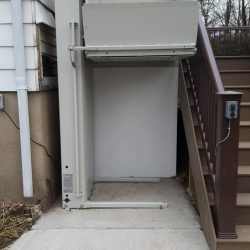 Outdoor Vertical Platform Lift