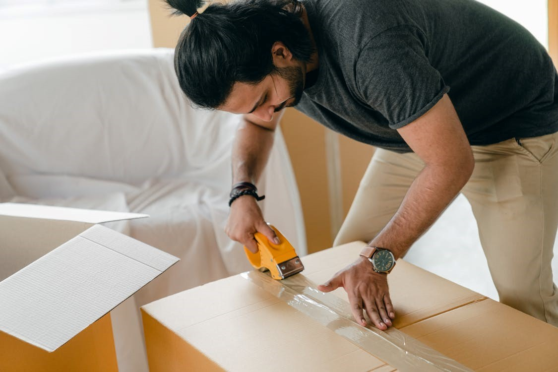 Professional movers service helping you pack in Seattle.