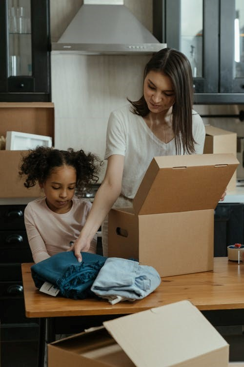 Packing with children and decluttering in Seattle.