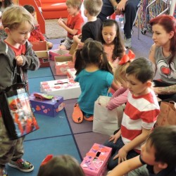 Kindergarten Class in Tustin, CA-Valentine's Day with Teachers-Adventures In Learning