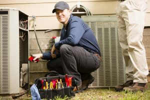 air-conditioner-repair-cooling-tune-up-replacement-technitian