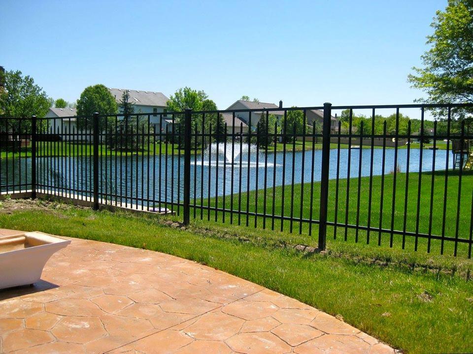 aluminum-fence-installation