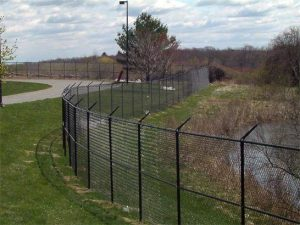 commercial-chain-link-fence-company
