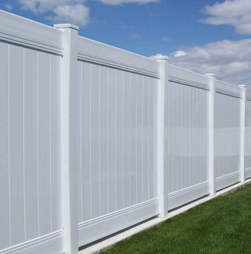 vinyl-fence-installation