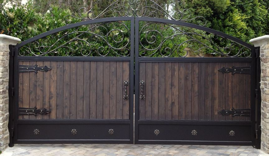 Dependable Drive In Prices >> Iron Gate Chicago | Wooden Fence Illinois | Vinyl Fence 60827 - Americana Ironworks and Fence