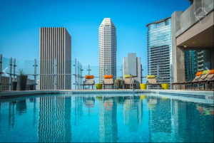 Skyhouse Houston Pool View