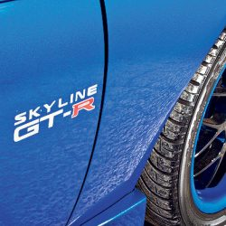 Exterior auto detailing in Honolulu for a blue Skyline GT-R