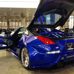 Auto detailing for a blue car in Honolulu