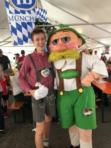 Student-modeling-Lederhosen-and-Otto-Costume-at-2015-Oktoberfest-225x300