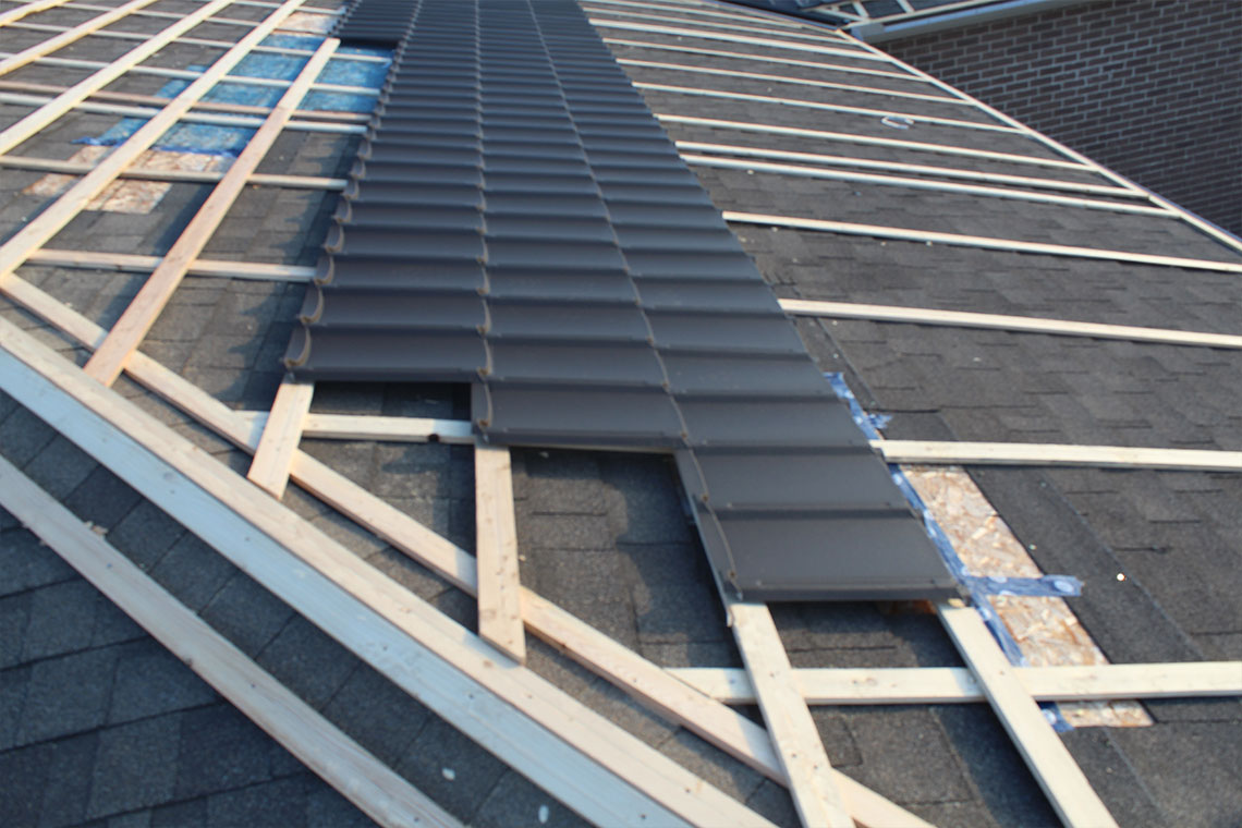 Master Shakes's Metal Roofing Panels in Linwood