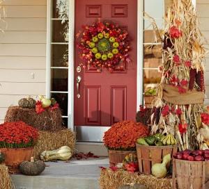 porch-fall-decor1-300x272