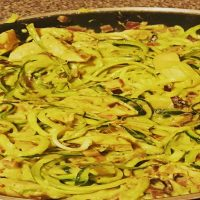 Courgette Spaghetti with Creamy Chicken and Avocado