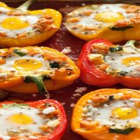 Baked Eggs in Stuffed Peppers