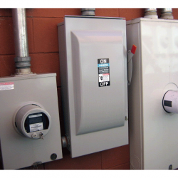 Working circuit breaker thanks to our electrical services