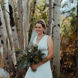 A Colorado Bridal Bouquet in The Wild