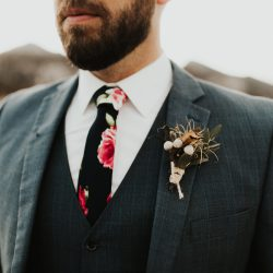 Simple boutonniere.
