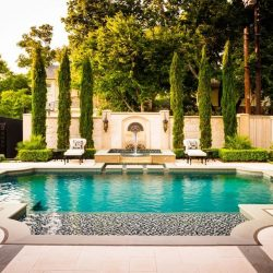 Custom swimming pool California.