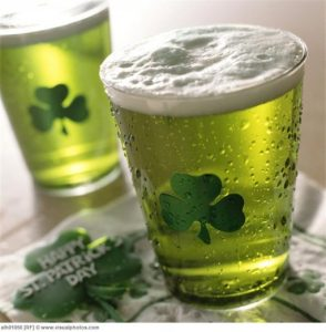 close-up_of_green_beer_on_st_patricks_day_alh01056-512x522