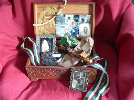 How to Make a Memory Box for Residents with Dementia ...