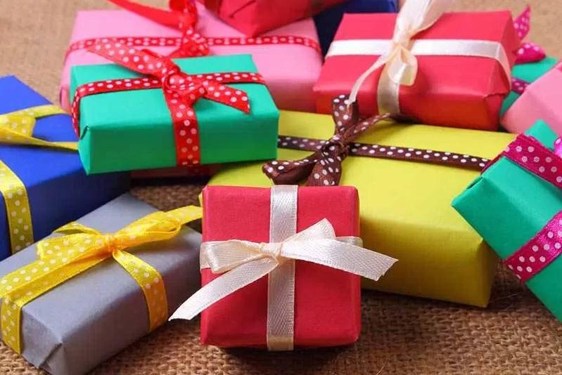Top 40 Best Gifts For Residents Windsor Senior Living Gift Guide
