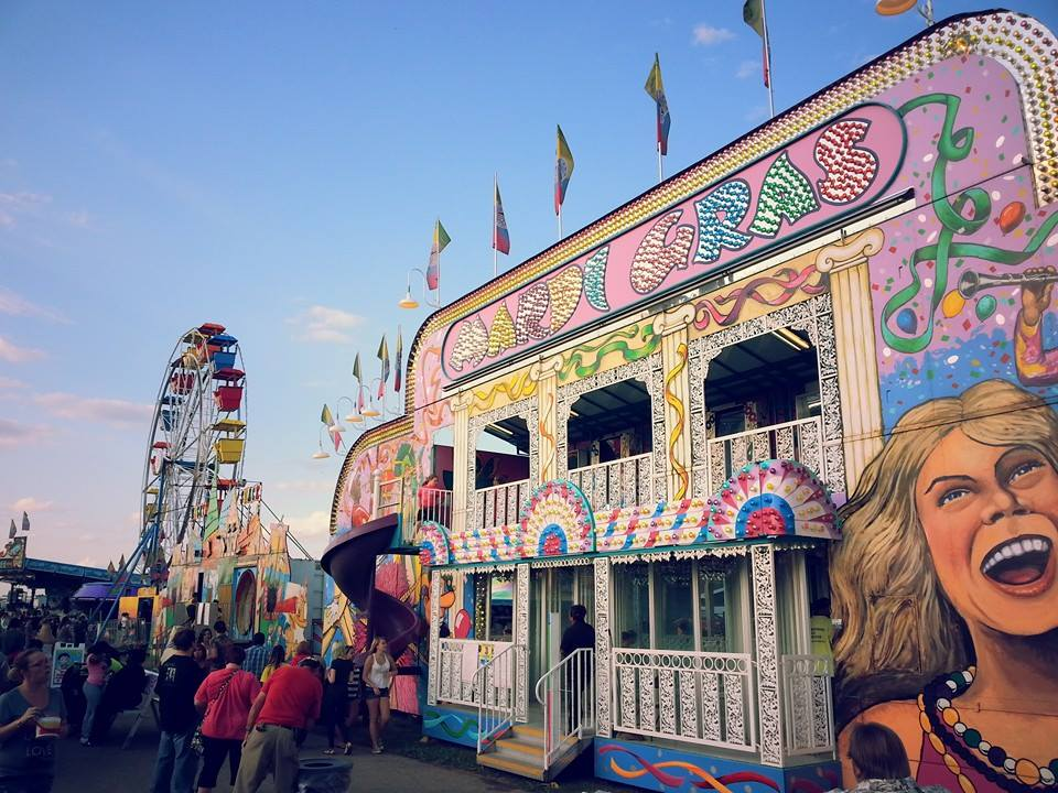 Mardi Gras Party House Rental - Celebration Source