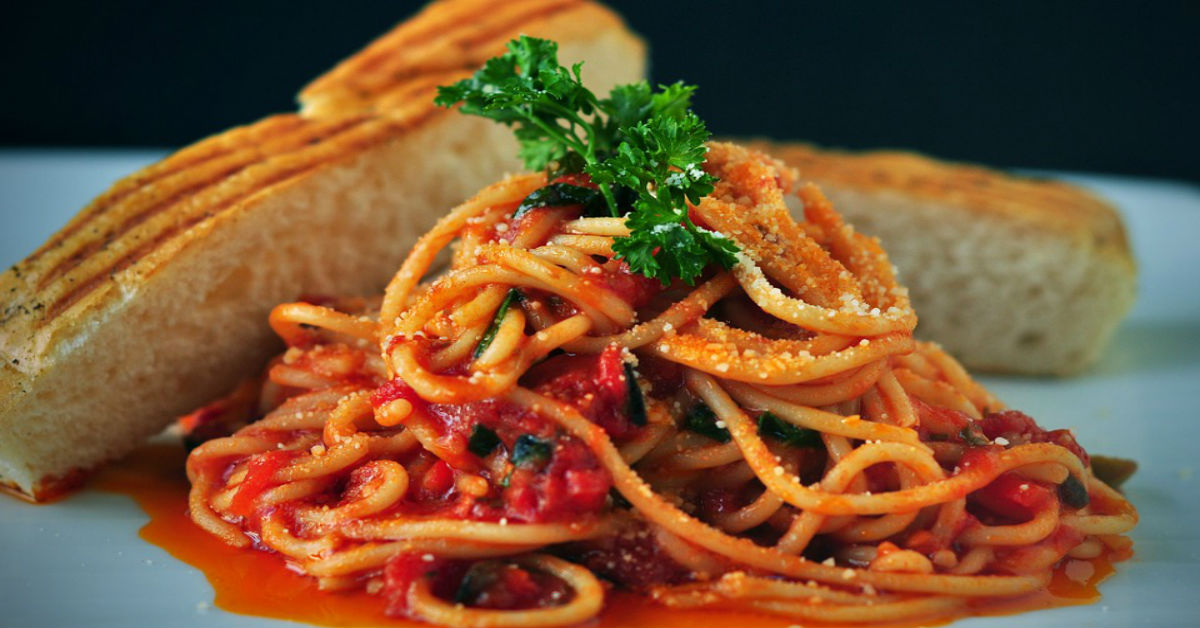Spaghetti and other foods that can stain your teeth
