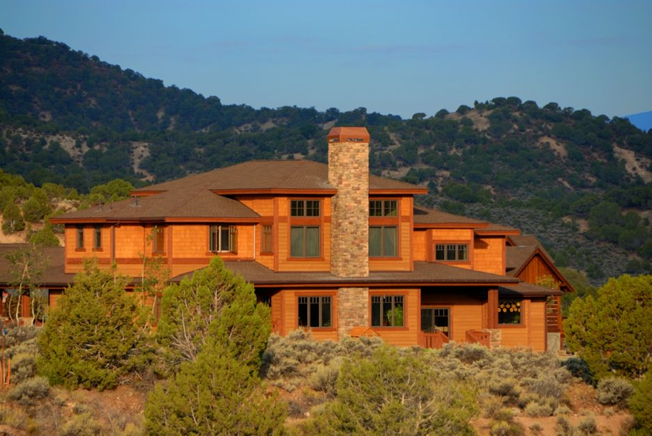 Warm Colored Mountain Home With Stone Fireplace