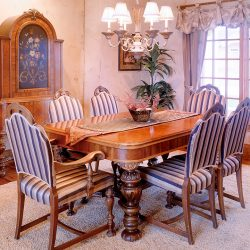 Luxury Home Dining Room - Classic Custom Builders