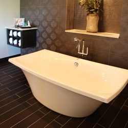 Luxury Custom Home Bathroom - Classic Custom Builders