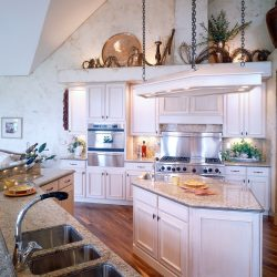 Kitchen in Custom Home - Classic Custom Builders