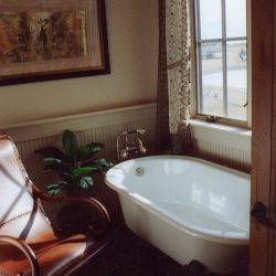 Custom Home Bathtub - Classic Custom Builders