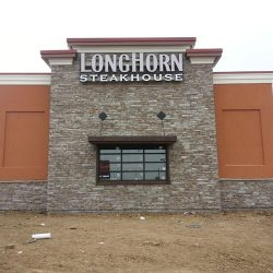 Illuminated outdoor metal sign Longhorn Steakhouse
