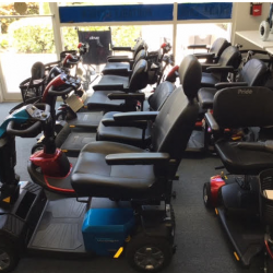 Display of motorized scooters - Comfort Mobility