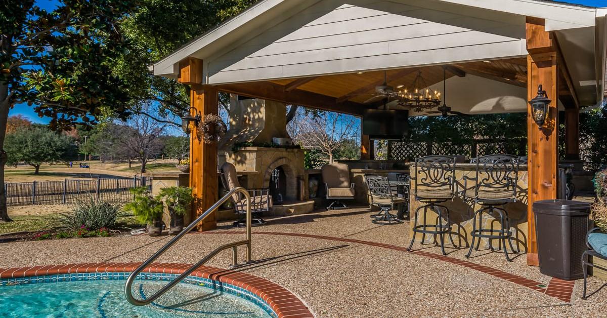 Pergola Contractor Dallas: A Guide To Choosing a Pergola For Your Backyard