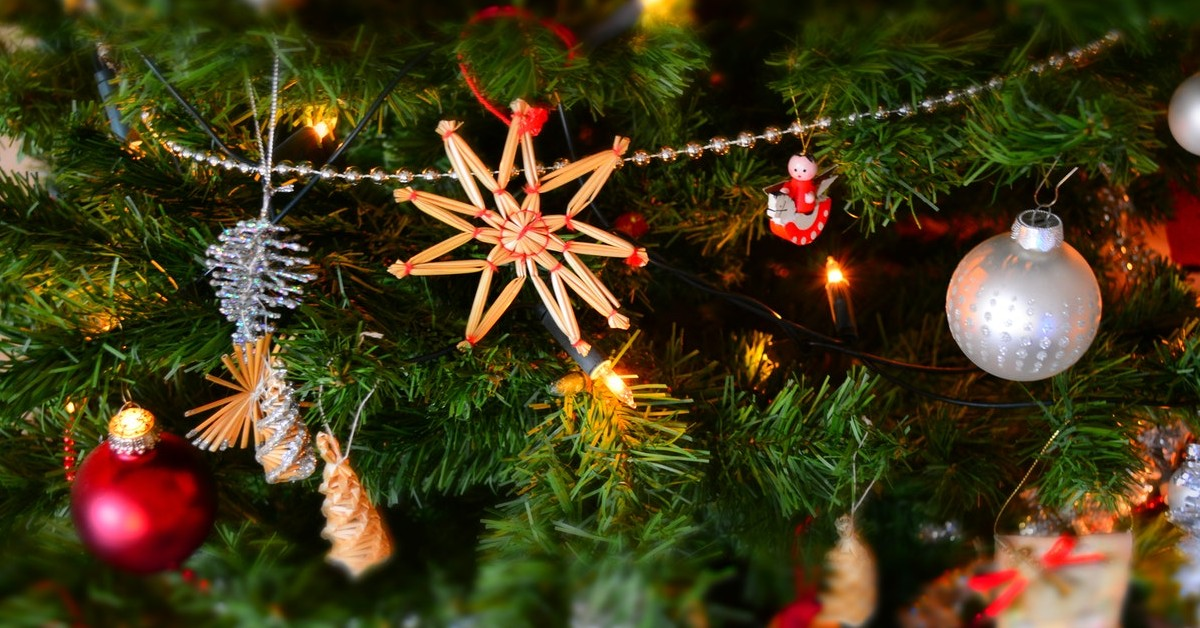 Outdoor Holiday Decorating Tips compass outdoor design dfw
