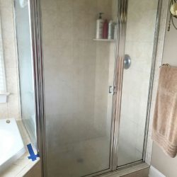Shower Door Remodel Before Picture