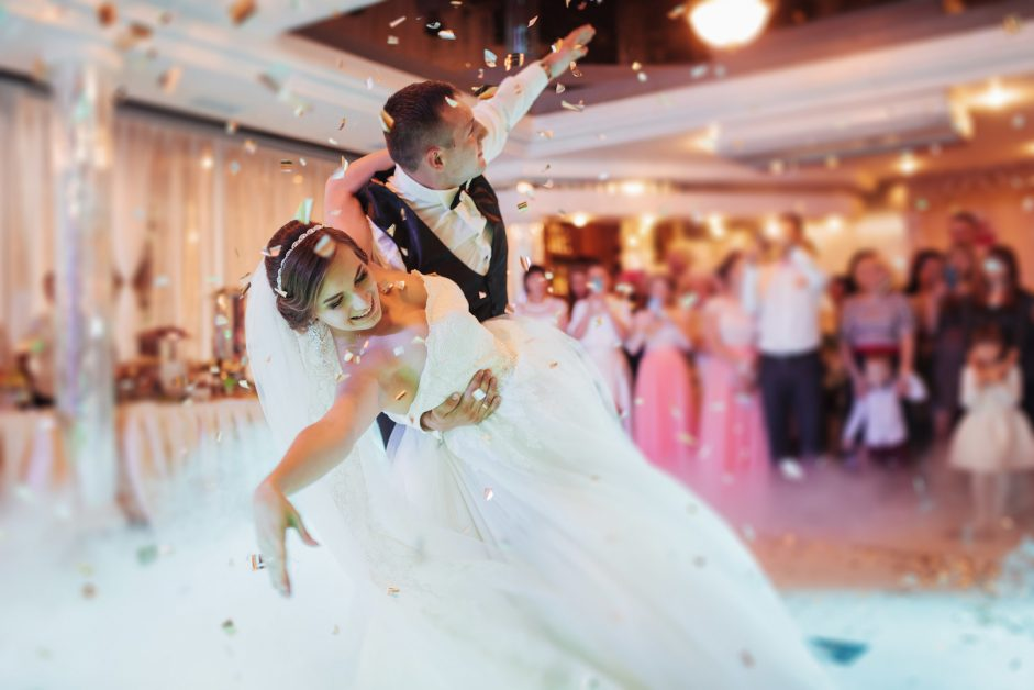 Wedding Music Tips How To Choose The Best Wedding Music - Crystal ballroom BW