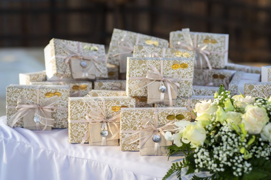 What are the most popular wedding favors - Crystal Ballroom BW