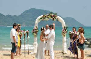 wedding trends setting - Crystall Ballroom BW
