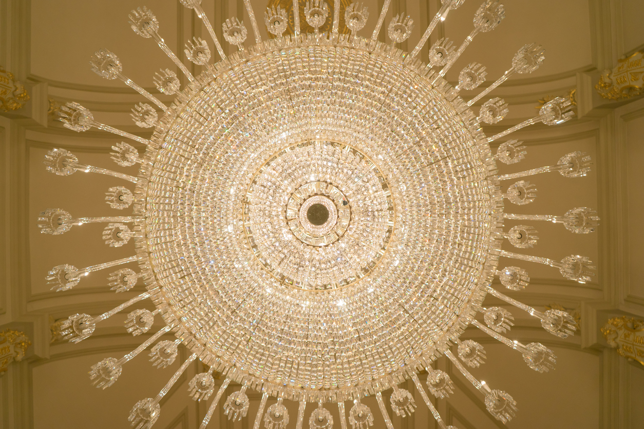 giant-luxurious-crystal-chandelier-shot-from-below
