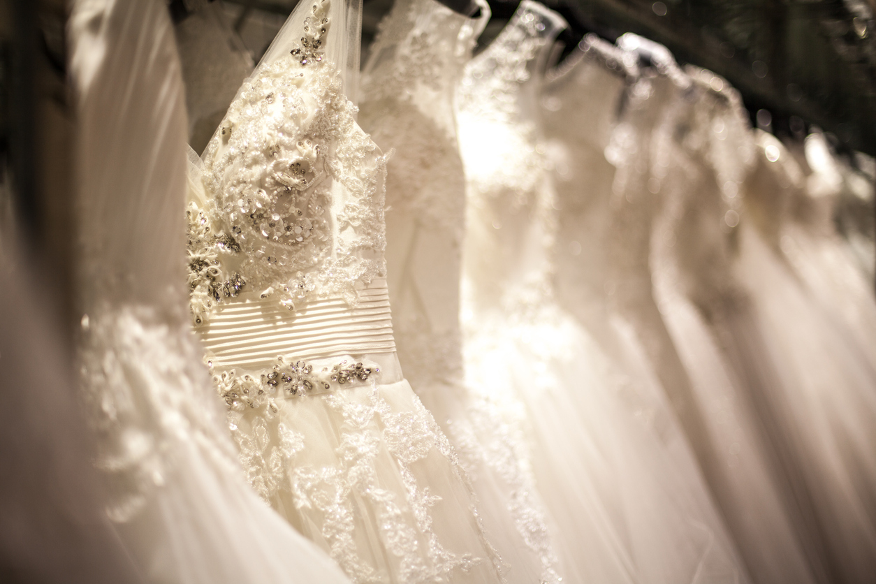 wedding-dress-rack