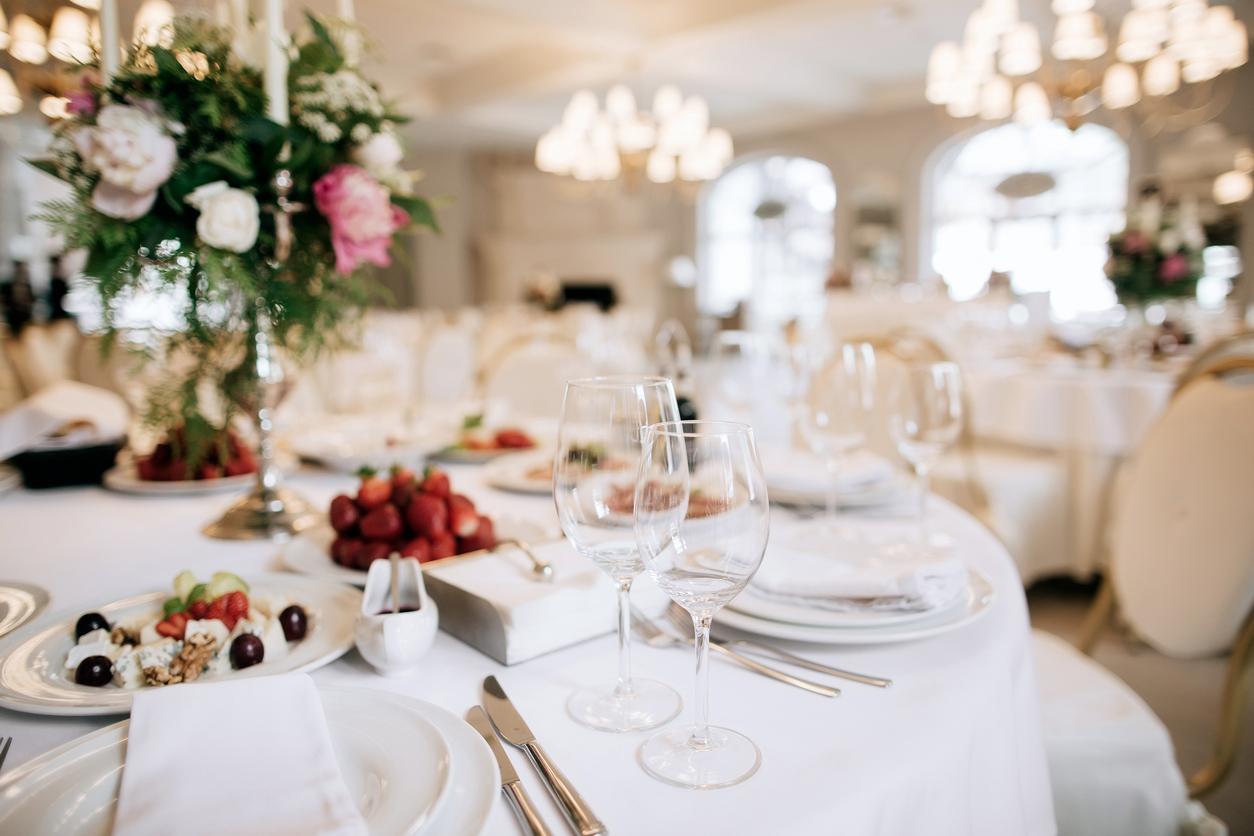 wedding-table-set-up