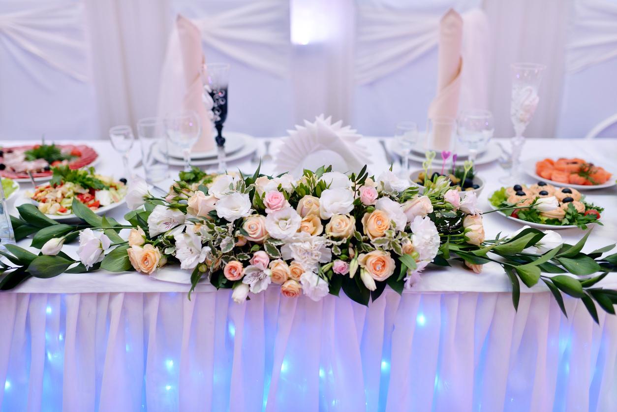 banquet-hall-food-display