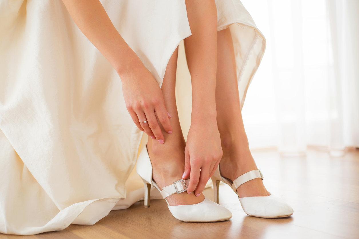 bride-wearing-comfortable-shoes