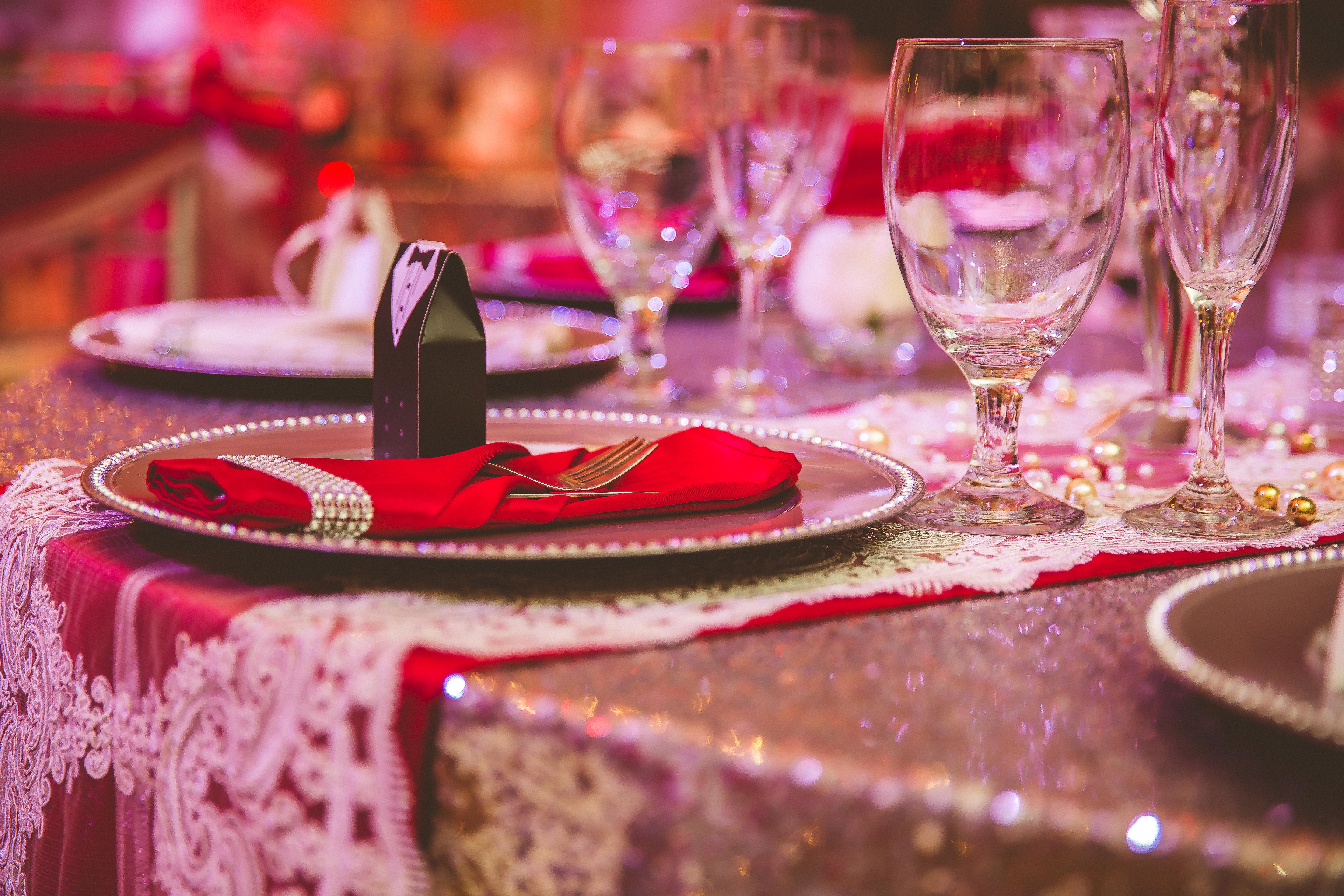 Decorating Color Combinations for Your Crystal Ballroom Event
