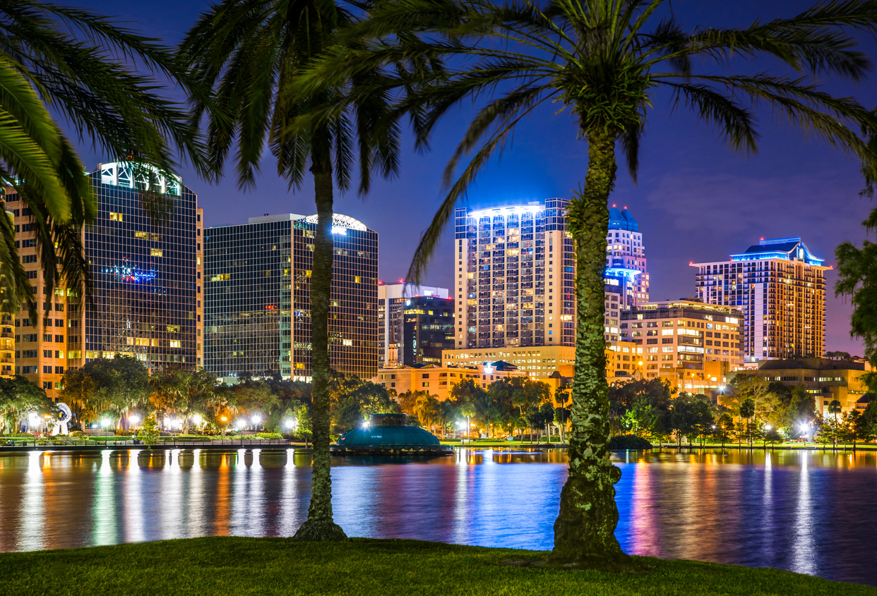 Orlando Florida, lake Eola, skyline, skyscrapers, night.