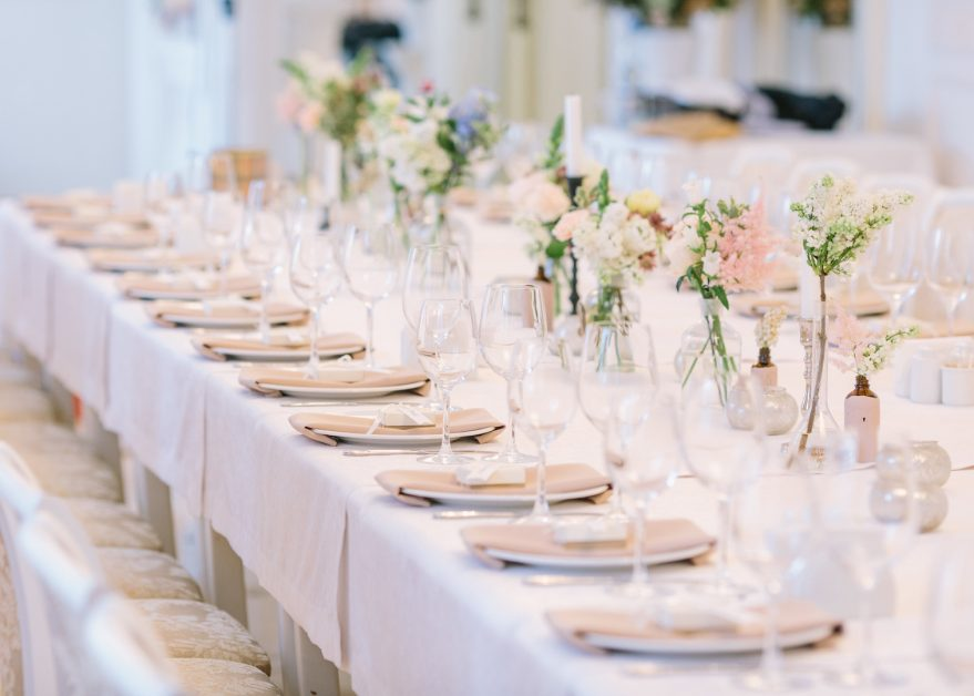 5 Ideas For Wedding Reception Table Decorations